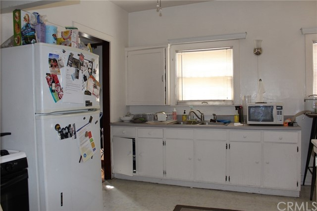 221 N Kenmore Avenue Los Angeles, CA 90004 - MLS #: RS18089980