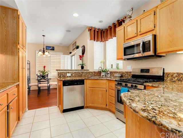 477 Windharp Lane, Simi Valley CA: http://media.crmls.org/medias/641be8f8-2d79-4266-9760-9b5564af4ddd.jpg