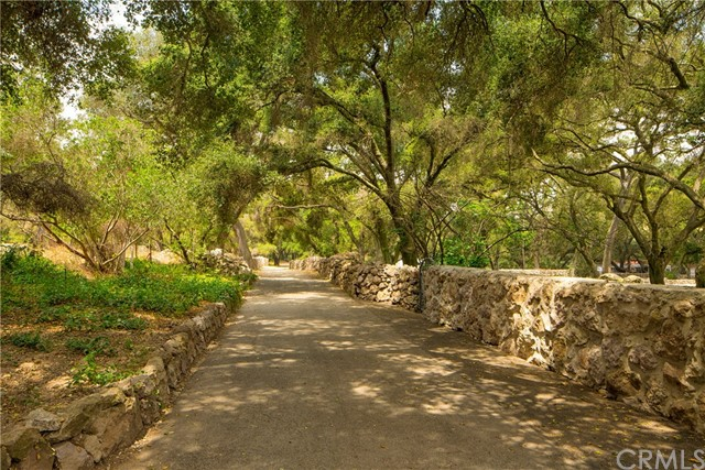 Single Family Home for Sale at 1430 Hidden Valley Road Thousand Oaks, California 91361 United States