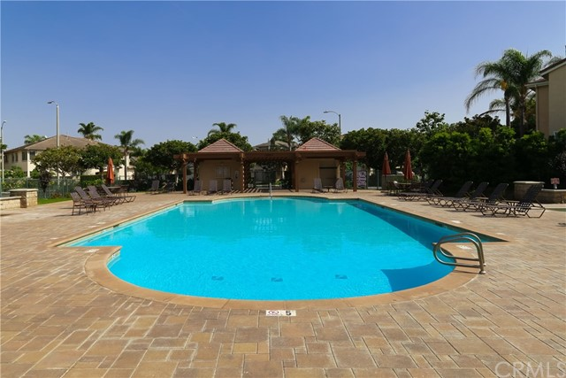 18611 Park Ridge Lane, Huntington Beach CA: http://media.crmls.org/medias/642d788f-dd81-47b3-b165-7686c85c844f.jpg