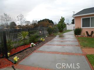 318 Caldwell Street, Compton CA: http://media.crmls.org/medias/64327724-8721-4863-a2bf-83dc96dde09e.jpg