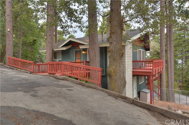 31401 Panorama Drive Running Springs Area, CA 92382 - MLS #: EV17185744