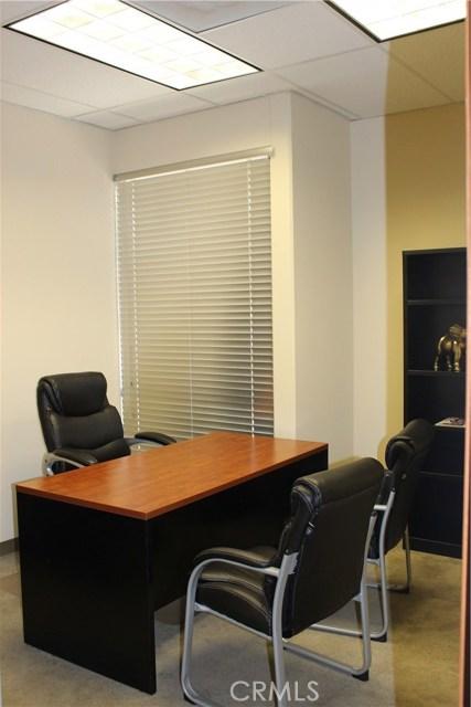 500 E E Street, Ontario CA: http://media.crmls.org/medias/6452fa1e-1cd6-4250-a891-9175b65a657f.jpg