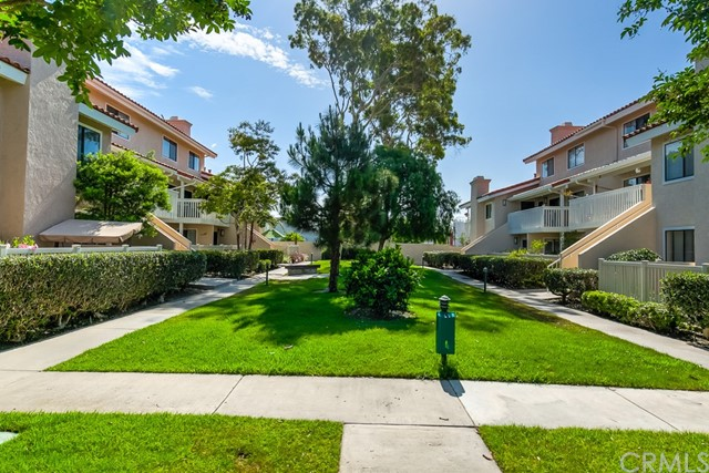 19152 Shoreline Lane Unit 8 Huntington Beach, CA 92648 - MLS #: OC18166532