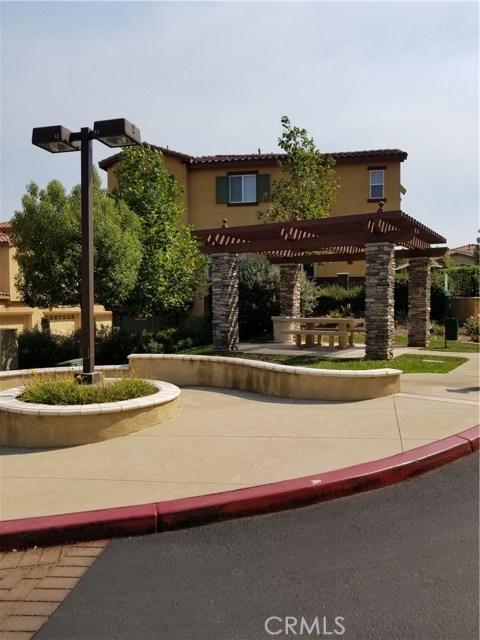 8072 Cresta Bella Road, Rancho Cucamonga CA: http://media.crmls.org/medias/64638b36-7a01-4548-8027-27d30b16ae2b.jpg