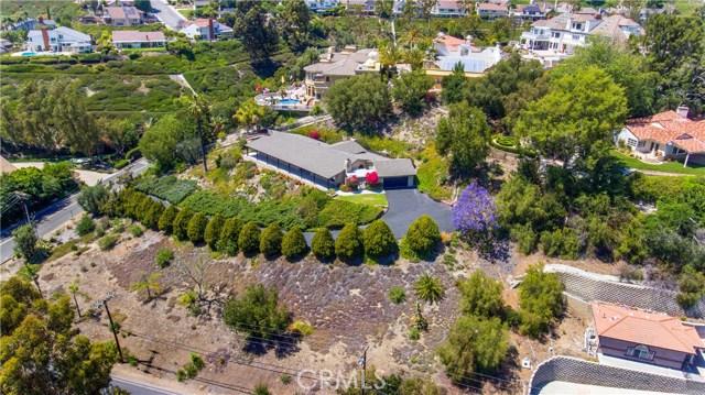 18352 Cerro Villa Drive, Villa Park CA: http://media.crmls.org/medias/64676711-be07-4a2e-af93-ca0cd449d4d4.jpg
