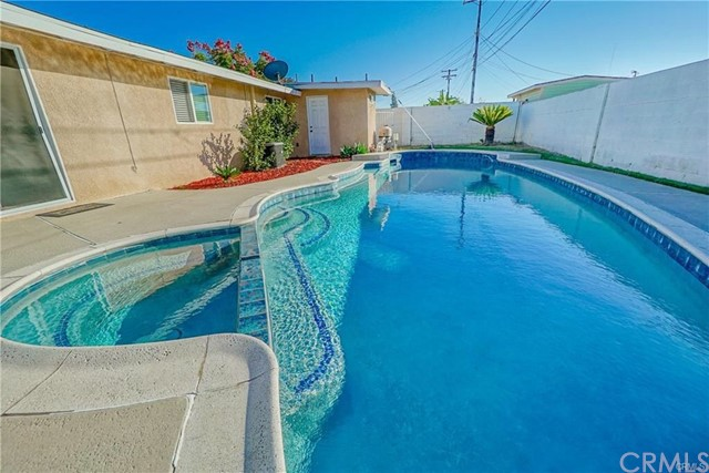 955 N Fern St, Anaheim, CA 92801 Photo 3