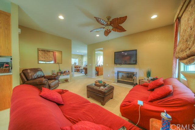 32042 Freesia Court, Lake Elsinore CA: http://media.crmls.org/medias/647dd930-116a-46e8-8c0e-71a9cd6c22d2.jpg