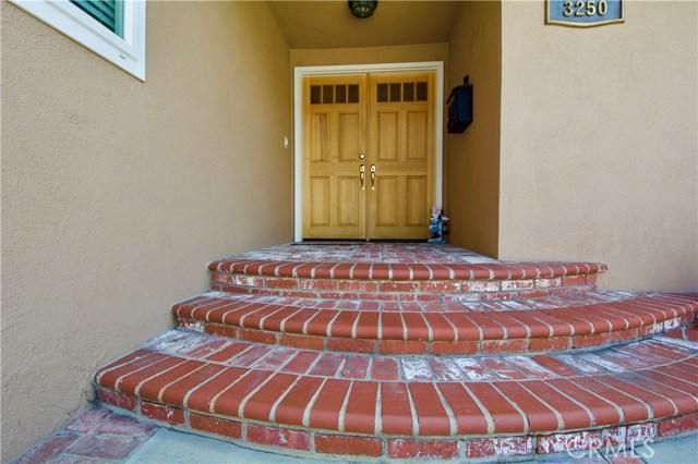 3250 Claremore Av, Long Beach, CA 90808 Photo 1