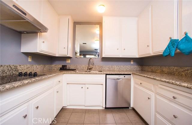 3695 Linden Avenue, Long Beach CA: http://media.crmls.org/medias/6488982b-3a90-4e0f-ae17-eb6c292b301c.jpg