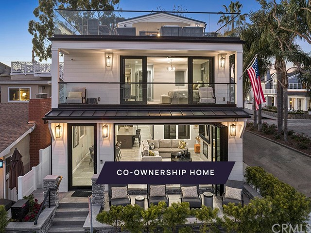 121 Emerald Avenue, Newport Beach, California 92662, 4 Bedrooms Bedrooms, ,4 BathroomsBathrooms,Residential Purchase,For Sale,Emerald,NP21043573