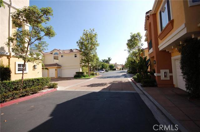 910 Reggio Aisle, Irvine, CA 92606 Photo 14