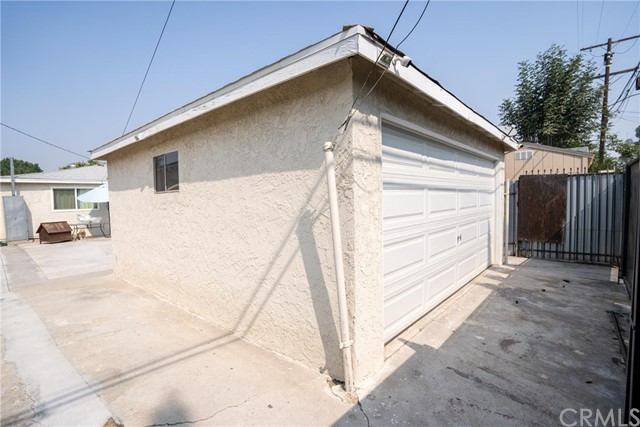 11812 3rd, Los Angeles, California 90262, 2 Bedrooms Bedrooms, ,1 BathroomBathrooms,Single family residence,For sale,3rd,SB20191760