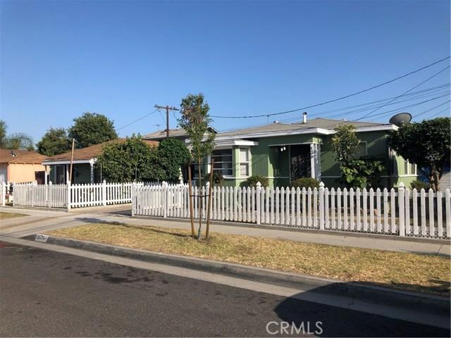 8218 Adams Street, Paramount CA: http://media.crmls.org/medias/64d64d0a-bc7a-43f4-bb27-292723201199.jpg