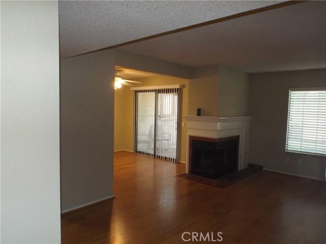 600 Central Avenue, Riverside CA: http://media.crmls.org/medias/64d96db3-74f6-41b2-8d70-cc57fd922ffd.jpg