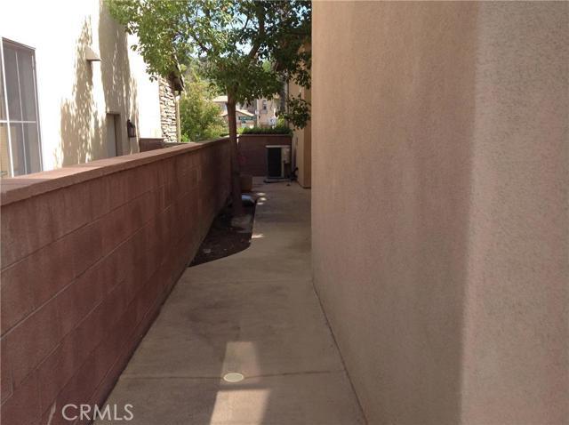 46 Kempton Lane, Ladera Ranch CA: http://media.crmls.org/medias/64e1d4d8-e7da-4895-a99a-0ab7accc6bac.jpg