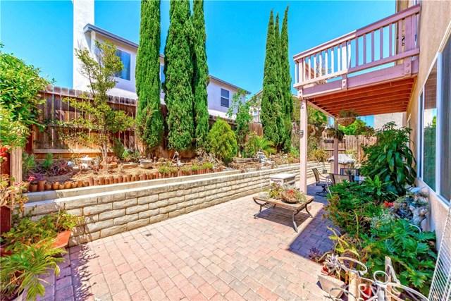 959 Blackberry Lane, Carson CA: http://media.crmls.org/medias/64e46f1d-e353-4bfc-9ce7-838953b17767.jpg