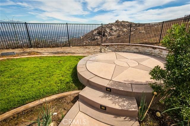 16736 Golden Bluff, Riverside CA: http://media.crmls.org/medias/64e6c457-856d-450a-922b-9c98ce4d023f.jpg