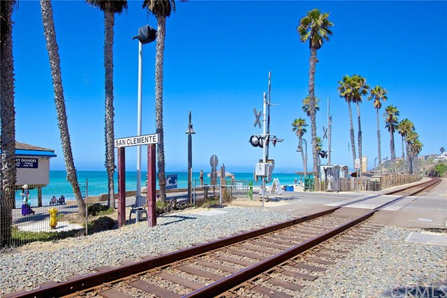 56 Paseo Del Rey, San Clemente CA: http://media.crmls.org/medias/64e91ca6-06e4-46ba-92d1-53eadf21c3ca.jpg