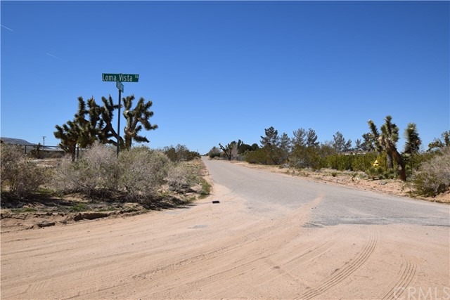 0 Loma Vista Road, Apple Valley CA: http://media.crmls.org/medias/64f1b822-04b8-42e6-aa9d-a2c62795e9ac.jpg