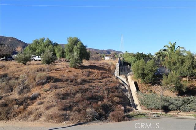 1709 Galloway Lane, Corona CA: http://media.crmls.org/medias/64fad839-7c2b-4871-bd39-d3198091a566.jpg