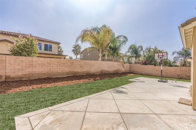 7642 Turtle Mountain Circle, Eastvale CA: http://media.crmls.org/medias/6504d040-3a6e-4c1d-ba81-f0b9a58e30eb.jpg