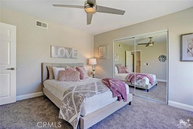 72308 BLUERIDGE Court, Palm Desert CA: http://media.crmls.org/medias/651530d3-c662-4ecd-98b0-0f49a6bfad0b.jpg