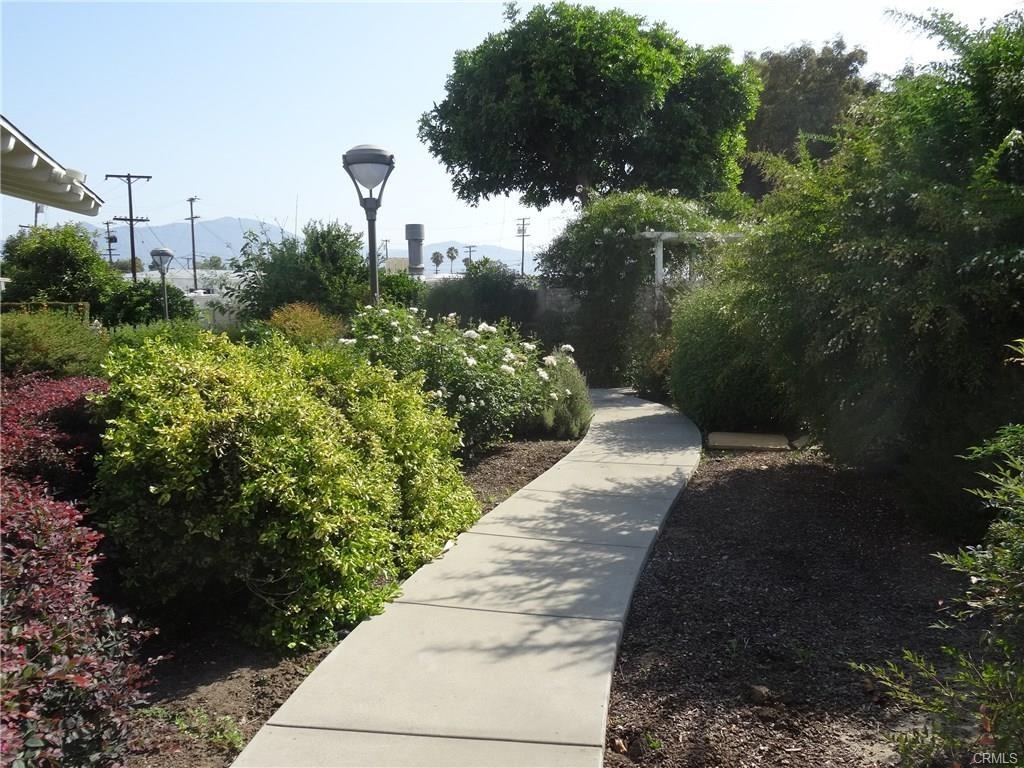 4800 Daleview Avenue, El Monte CA: http://media.crmls.org/medias/6517c770-a40d-4532-b344-107c21e98345.jpg