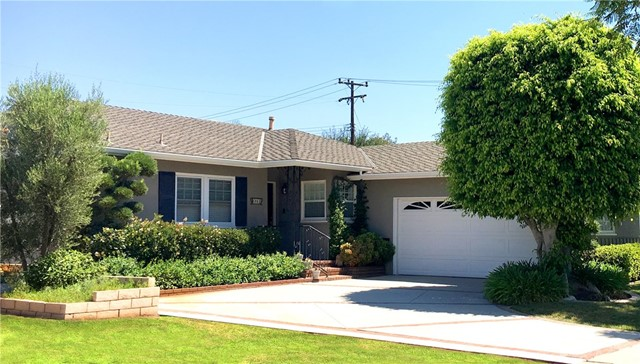 Single Family Home for Sale at 6861 Lees Way E Long Beach, California 90815 United States