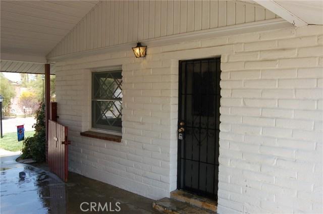 5940 Londonderry Drive, Riverside CA: http://media.crmls.org/medias/6524e45a-8551-4f2c-9905-6e2d24ecd2e4.jpg