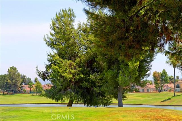 28295 Long Meadow Drive, Menifee CA: http://media.crmls.org/medias/653082a7-d58a-4d41-9e85-7b3e3d650712.jpg
