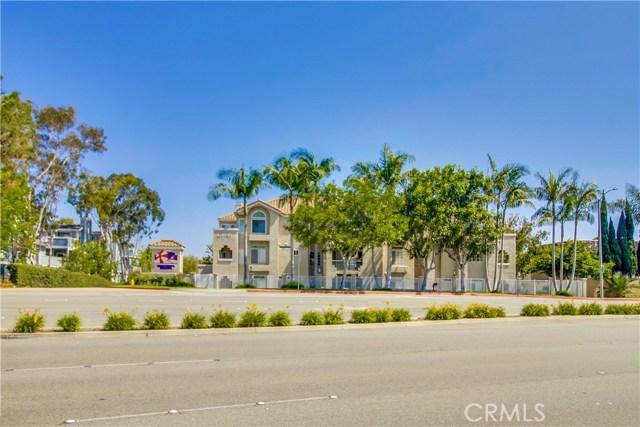 4571  Warner Avenue, Huntington Harbor, California