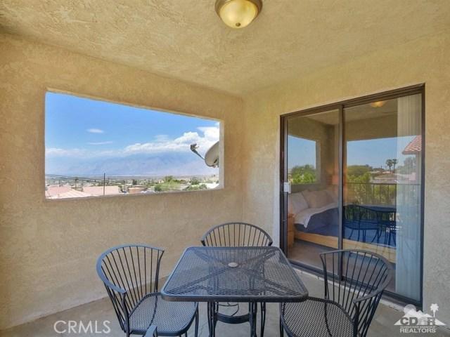 68075 Calle Bolso, Desert Hot Springs CA: http://media.crmls.org/medias/65393923-eb3e-4451-895d-b58c14dfcea7.jpg