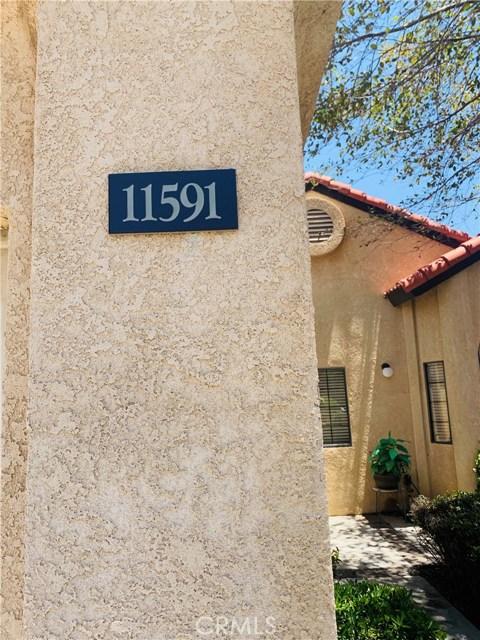 11591 Ash Street, Apple Valley CA: http://media.crmls.org/medias/653976ac-9097-4fbb-9330-57fec1d875fe.jpg