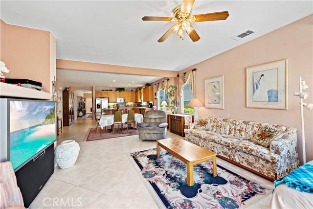 27966 Crystal Spring Drive, Menifee CA: http://media.crmls.org/medias/654ad942-46a9-4bbc-9f87-bc870746c209.jpg