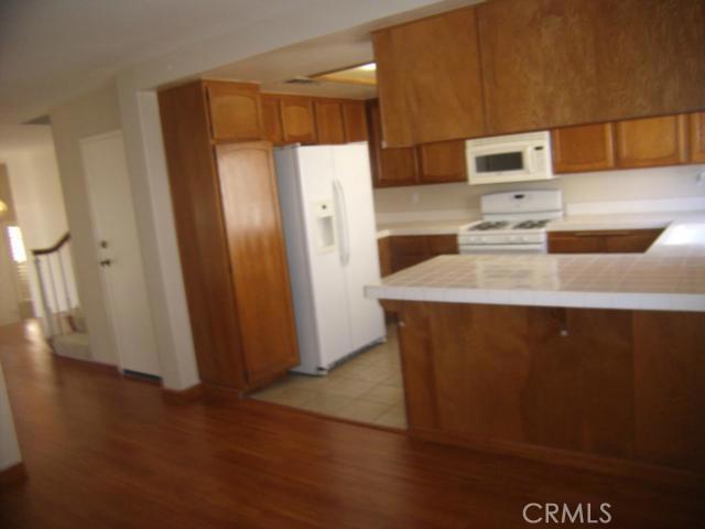 2300 Maple Avenue, Torrance CA: http://media.crmls.org/medias/655ab2f1-1a84-4428-9417-62e7d7853dd5.jpg
