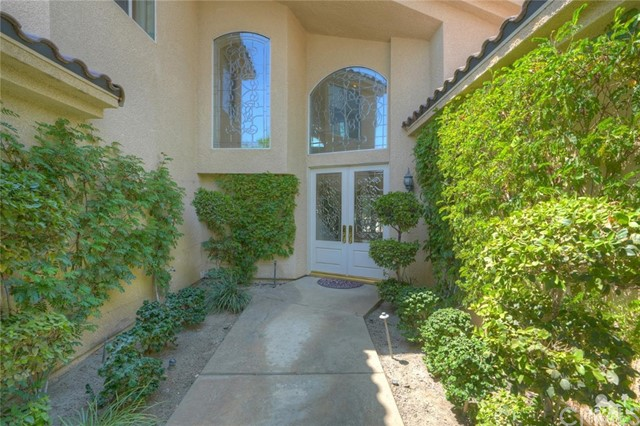 31 Victoria Falls Drive, Rancho Mirage CA: http://media.crmls.org/medias/65674edd-da59-41ef-91bb-290ad2adfb20.jpg