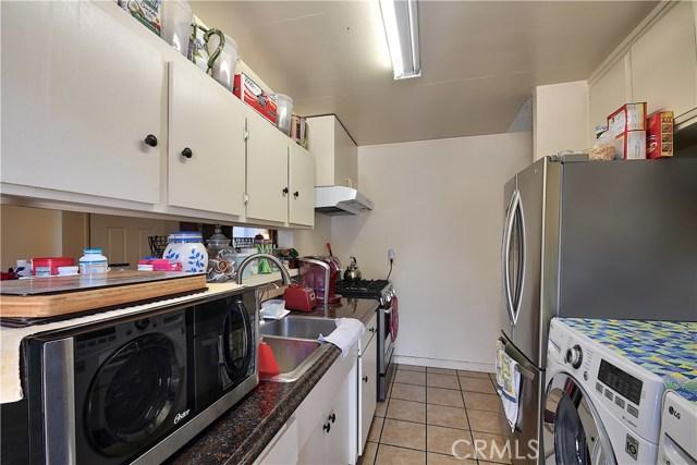 2077 Wallace Avenue, Costa Mesa CA: http://media.crmls.org/medias/656ab78d-0988-4cae-ad2e-c36b457c76aa.jpg