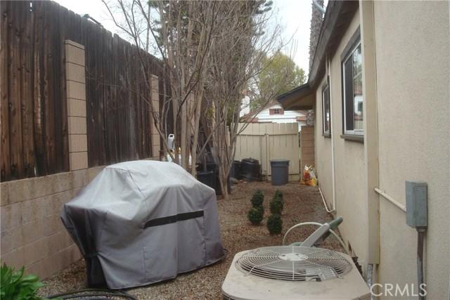 2455 Cambridge Avenue, Fullerton CA: http://media.crmls.org/medias/657b17ef-50d6-4f27-b890-9d4c6cd12d9c.jpg
