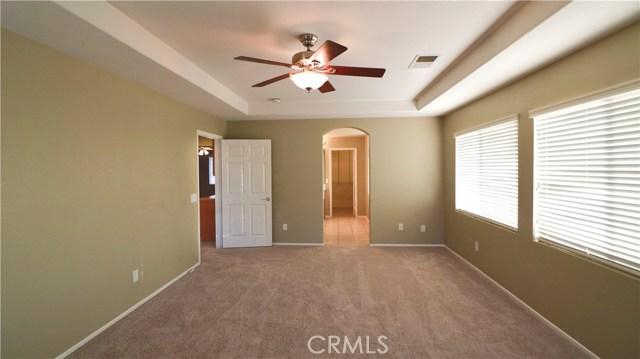 8623 Farmhouse Lane, Riverside CA: http://media.crmls.org/medias/658c0231-aa53-4331-8c80-d2f54d0076a8.jpg
