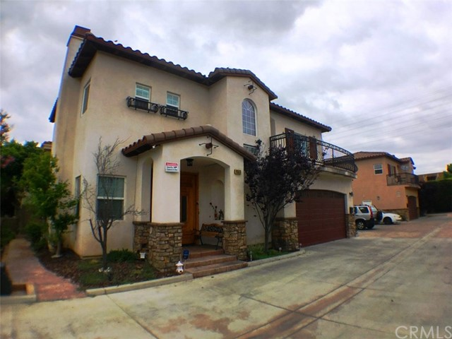 8553   Park Street , BELLFLOWER