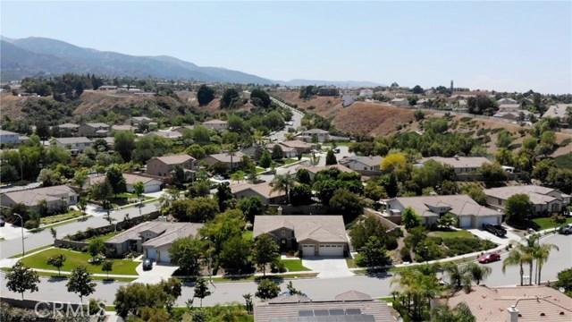 3842 Morales Way, Corona CA: http://media.crmls.org/medias/659ff8f2-7104-4ec5-8088-76c53ea20d68.jpg