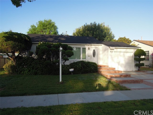 Single Family Home for Sale at 1809 Chatwin Avenue Long Beach, California 90815 United States