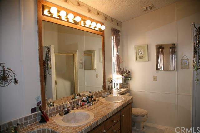 40725 Brook Trails Way, Aguanga CA: http://media.crmls.org/medias/65bd7f3e-475b-490b-9a95-d10ad43ee3b9.jpg