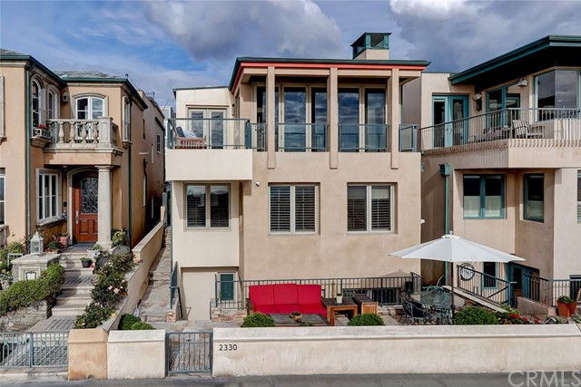 2330 The Strand, Hermosa Beach, CA 90254