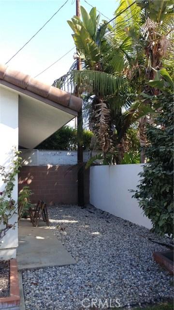 9322 Tweedy Lane, Downey CA: http://media.crmls.org/medias/65d88368-5216-468d-a7aa-337171f4a10e.jpg