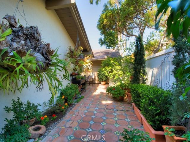 2 Flores, Irvine, CA 92612 Photo 3