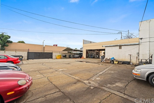 290 W Holt Avenue, Pomona CA: http://media.crmls.org/medias/65eae4bd-857a-4131-9c6f-e6b7a540ff75.jpg