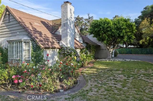 516 E Hermosa Drive, San Gabriel CA: http://media.crmls.org/medias/65ec0bb1-f95b-4c24-beea-11cd17be521a.jpg