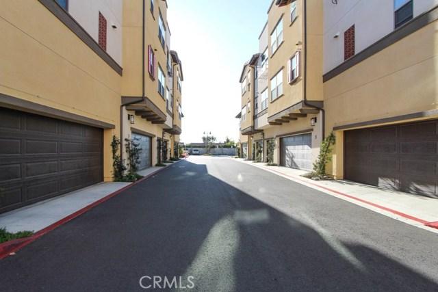3830 W KENT Avenue, Santa Ana CA: http://media.crmls.org/medias/65ec2949-cc4f-46c8-8566-ab7954a2b730.jpg